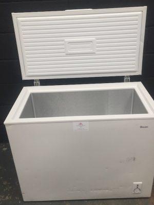 Chest Freezer 200 L